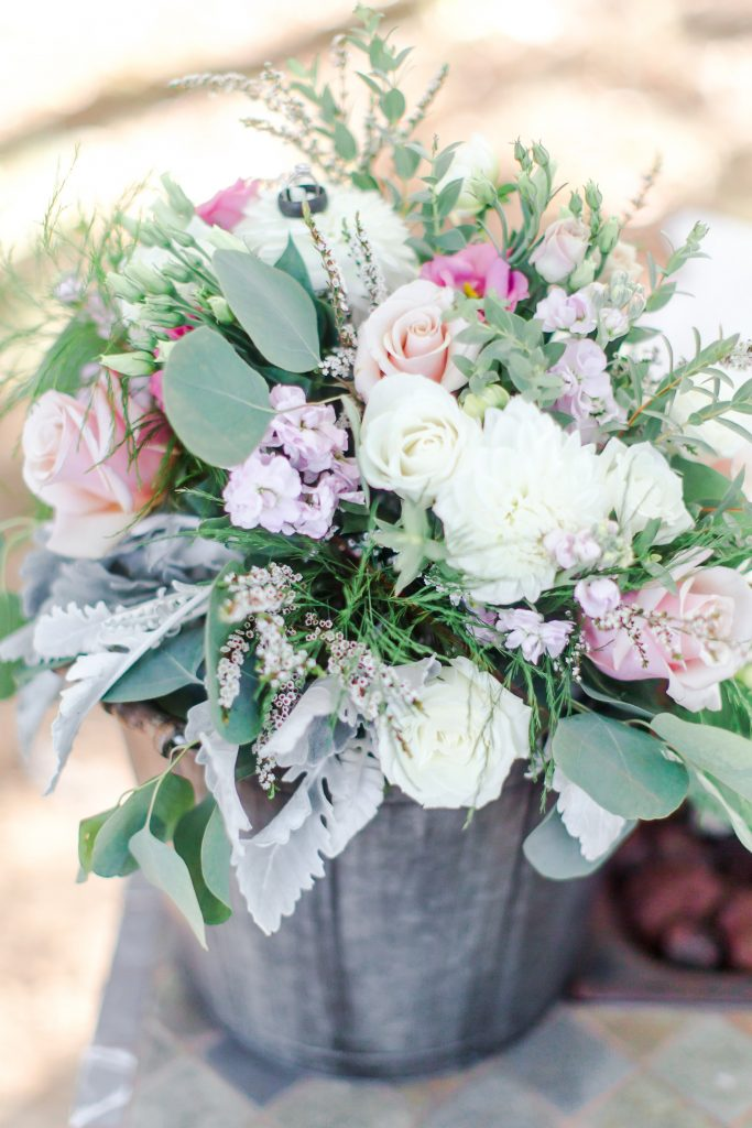 How gorgeous are these flowers by Bethany Florist at Lavender Pond Farm in Killingworth, CT?!