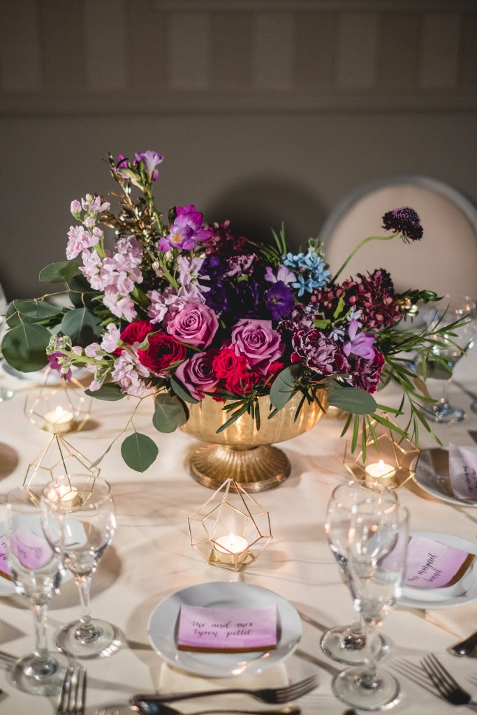 The perfect centerpiece for an art deco themed wedding!
