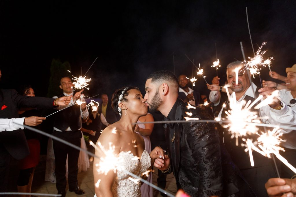 Who doesn't love a sparkler send off to celebrate the new husband and wife?!