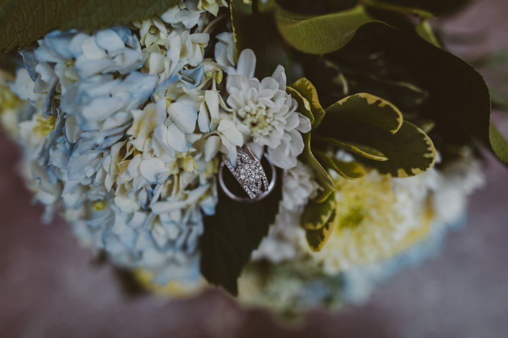wedding rings, wedding flowers